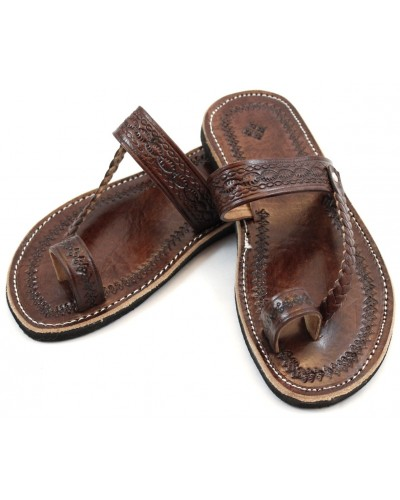 Moroccan flip-flops in brown leather