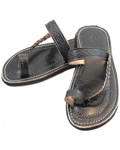 Moroccan flip-flops in black leather