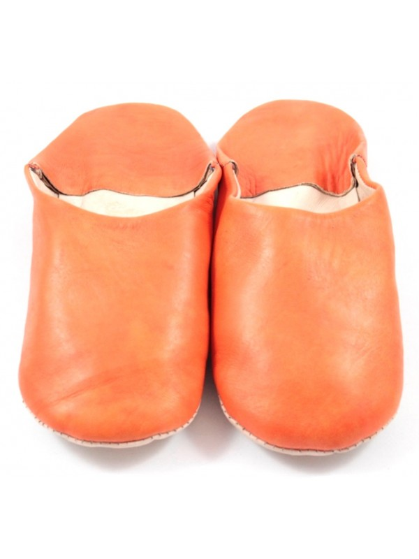 e15fb936c3412 Moroccan slippers in soft red leather