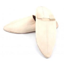 Babucha puntiaguda de cuero color natural para caballero