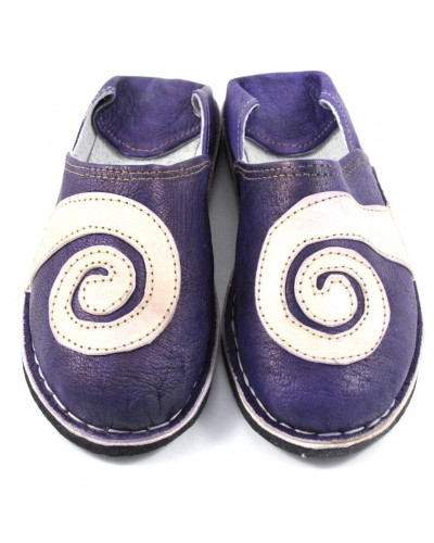 Spiral slippers made of purple and natural leather
