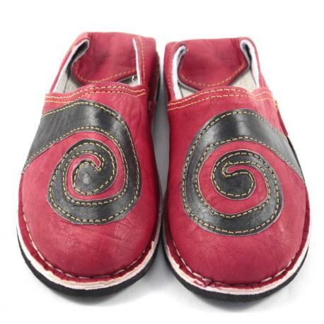 Babouches spirales en cuir rouge et noir