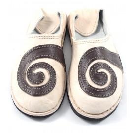 Babouche spirales en cuir beige et marron