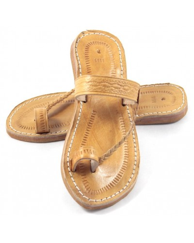 Moroccan flip-flops in caramel leather