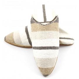Babouche femme rayée en tapis kilim marron et blanc