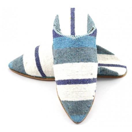 Babouche femme rayée en tapis kilim bleu et blanc