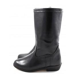 Schwarze Stiefel aus glattem Leder