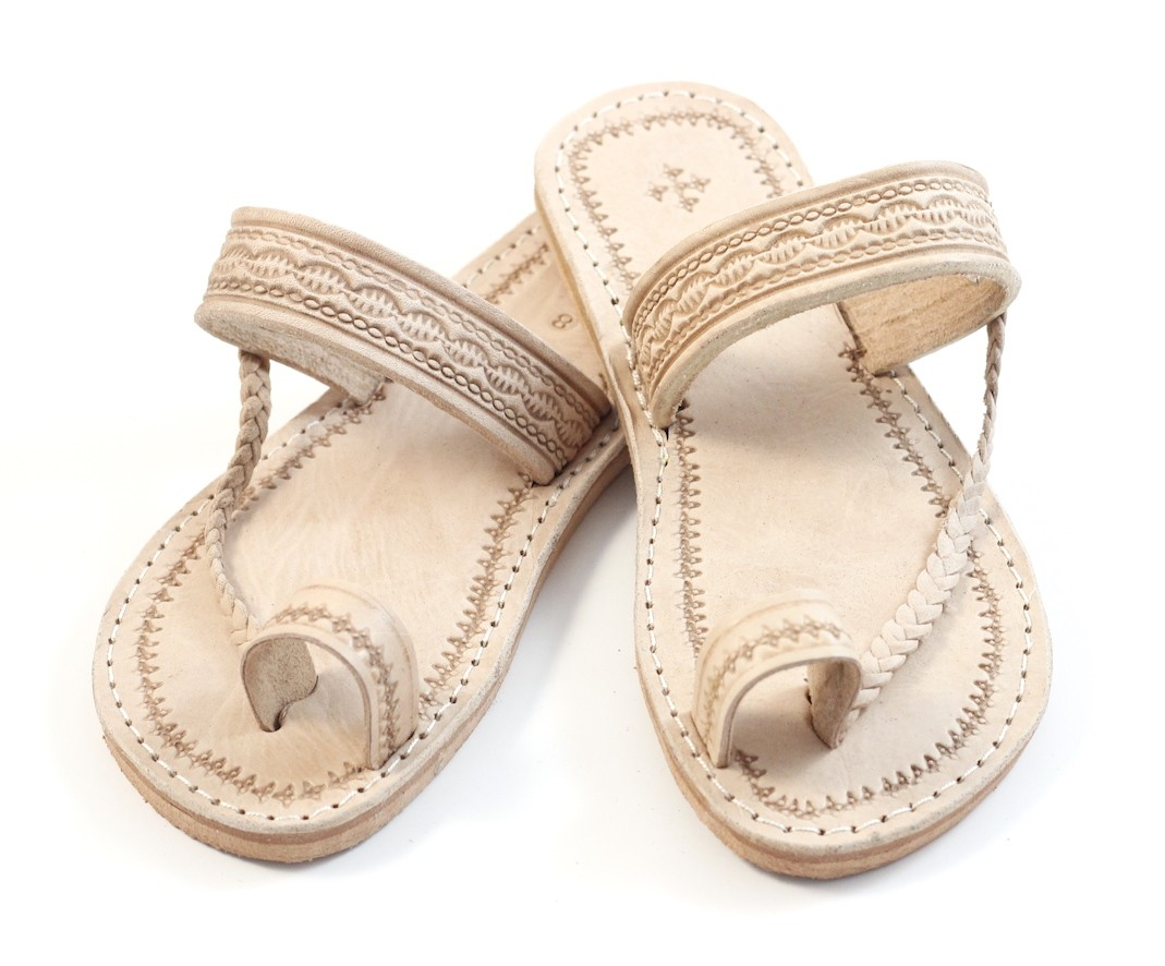 1c0925d76128 moroccan-flip-flops-in-natural-leather.jpg