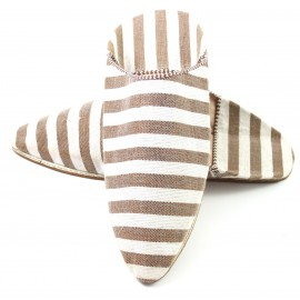 Men's pointed fabric slippers in brown and white